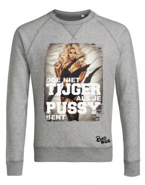 Grijs man sweater tijger woman 2 jpg