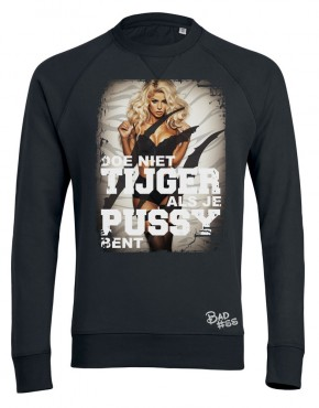 Black man sweater tijger woman 2